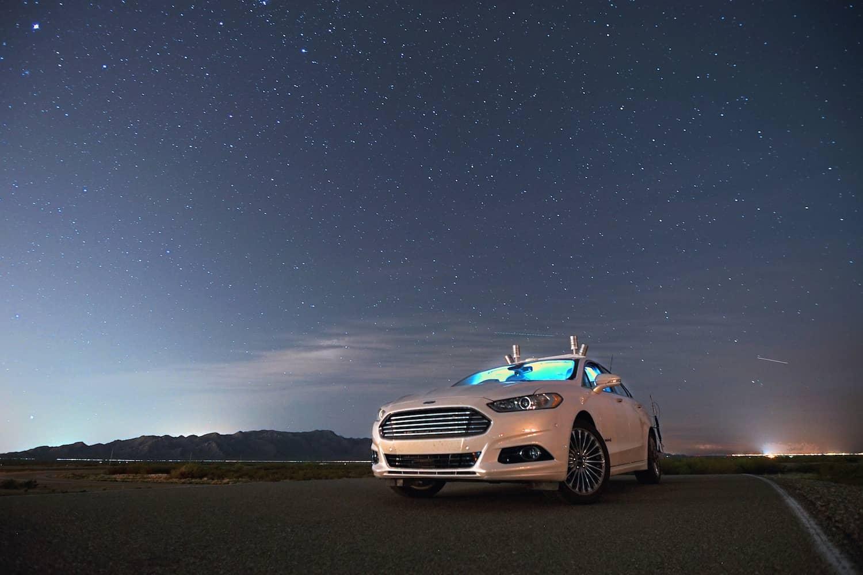 Autonomes Fahren: Ford fährt ohne Licht durch die Nacht