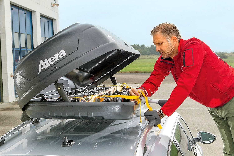 Besonders im Winterurlaub wird die Gepäckkapazität der Autos auf die Probe gestellt. Foto: ams