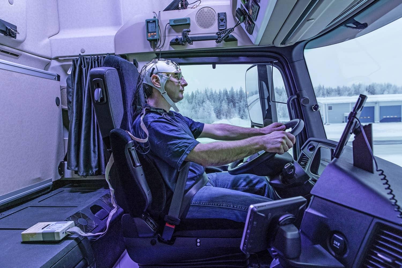 Tageslicht im Truck: Daimler forscht an Daylight+