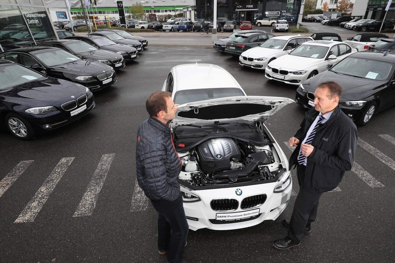 Gebrauchtwagen: DEKRA-Ratgeber zum sicheren Kauf