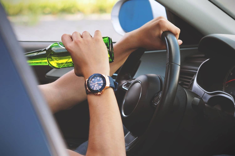 Alkoholverbot: Experten fordern Null-Promille-Grenze
