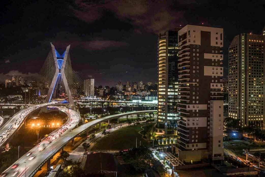 São Paulo, Brücke, Nacht