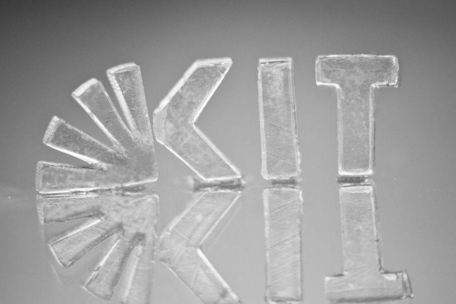 Das Karlsruher Institut für Technologie nutzt beim 3D-Druck mit Glas die Stereolithographie. Foto: KIT