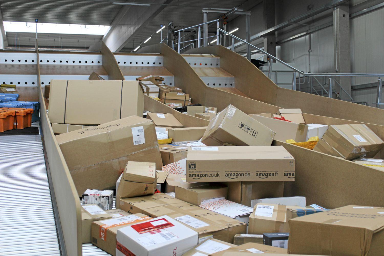 Die Auslieferung der Paketflut ist mit bestehenden Konzepten kaum noch zu bewältigen. Foto: Nicole de Jong