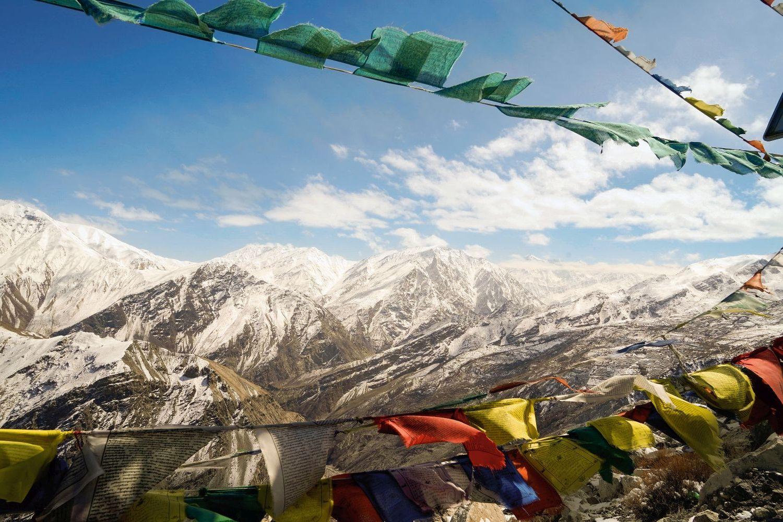 Das Dach der Welt: Viertausend Meter hohe Berge des indischen Himalaja umrahmen das Spiti-Tal. Foto: Emre Caylak