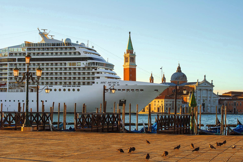 """Die Vokabel """"Overtourism"""" bringt die Probleme im Jahr 2017, z.B. in Venedig oder Barcelona, auf den Punkt. Foto: Marco Bottigelli"""
