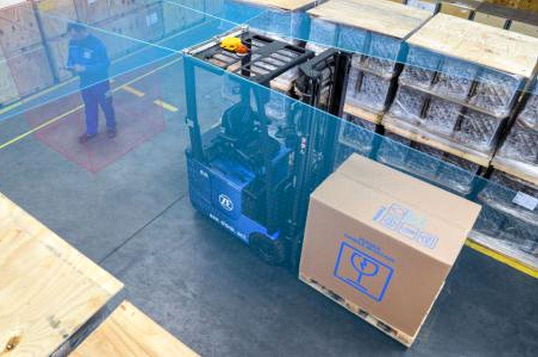 In der Lager- und Produktionslogistik sind autonome Gabelstapler im Einsatz. Foto: ZF