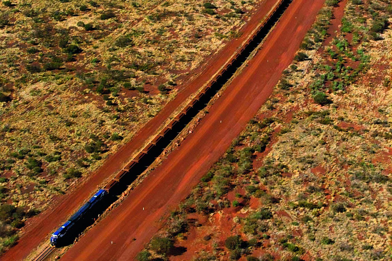 Der längste Güterzug aller Zeiten verkehrte am 21. Juni 2001 bei einem Testlauf in Australien und maß ganze 7,4 Kilometer. Foto: Big pictures australia / Action press