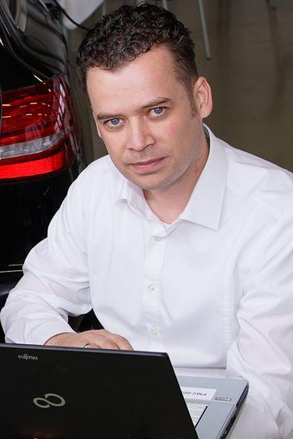 Erik Pellmann ist Leiter DATC*M2 Abgasemissionen, Antriebsstrang der DEKRA Automobil GmbH. Foto: Thomas Küppers
