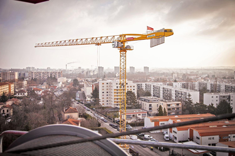 In voller Größe: 40 Meter ist der Ausleger eines Turmdrehkrans vom Typ Potain MDT 269 lang. Foto: DEKRA