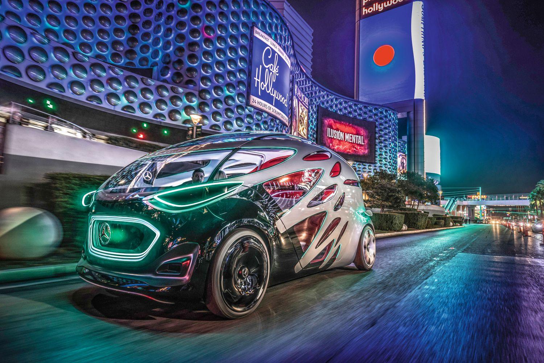 Der Vision Urbanetic von Mercedes-Benz Vans hebt die Trennung von Personenbeförderung und Gütertransport auf. Foto: Daimler