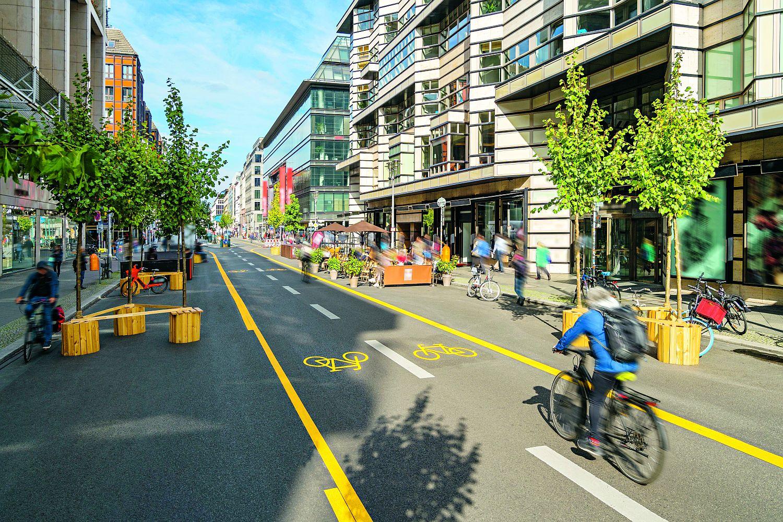 Berlin Die im Sommer 2020 meist temporär errichteten Radwege dienen auch als Testballon für künftige Verkehrsplanung. Foto: istock / IGPhotography